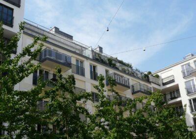 Duralin Leichtmetall GmbH Dachterrasse mit Fenstergitter in Stäbchenoptik