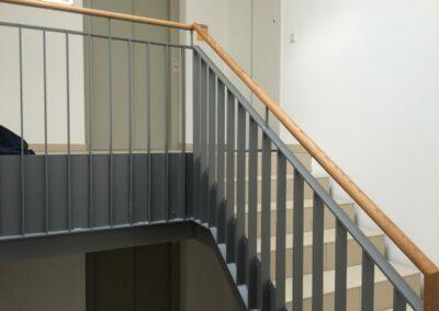 Duralin Leichtmetall GmbH Treppengeländer mit Holzhandlauf