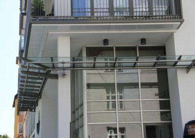 Duralin Leichtmetall GmbH Vordach mit Glas